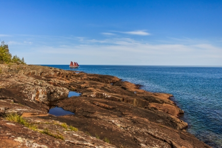Rounding the point - Grand Marais, Lake Superior, Minnesota