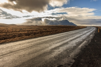 To the mountains - Iceland