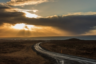 Road to the ocean - Iceland