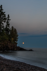 Blood Moon Rising - Lake Superior, MN