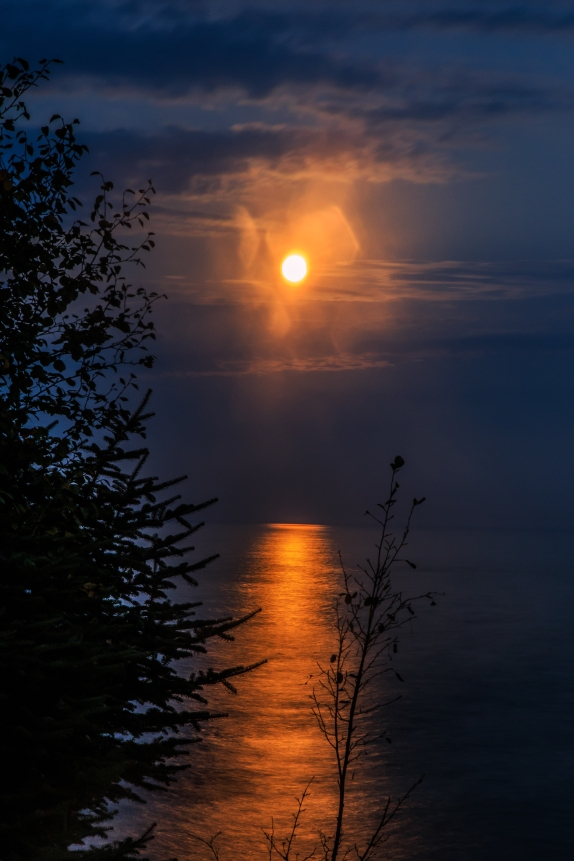 Road to the Blood Moon - Lake Superior, MN