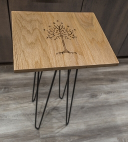 Tree of Gondor Woodburn Red Oak End Table