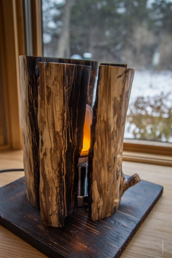 Campfire Lamp with Flickering LED Bulb