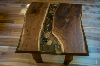 Black Walnut Lake Superior Agate and Rock Table